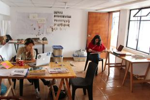 Residentes trabajando